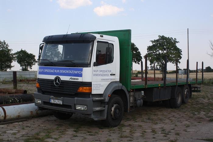 Ciężarówka służąca do transportu.